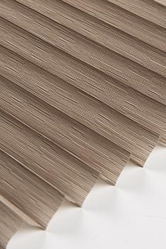 Açık Kahverengi Petunya Seri 15mm Cam Balkon Plise Perde