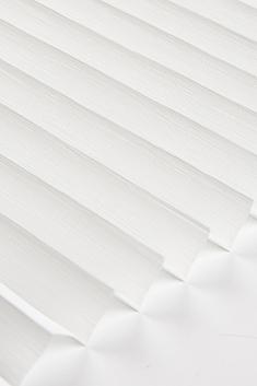 Beyaz Petunya Seri 15mm Cam Balkon Plise Perde