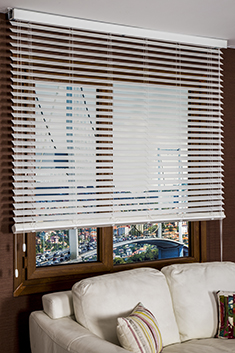 Beyaz Truwood 50mm Düz Ahşap Görünümlü Jaluzi Perde