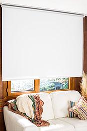 İkili Perde(Ön Beyaz Zincir Desenli Deluxe Dantella Serisi Stor Perde Arka Beyaz Thermal Linen Serisi Stor Perde )