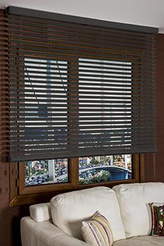 Siyah Truwood 50mm Ahşap Görünümlü Jaluzi Perde