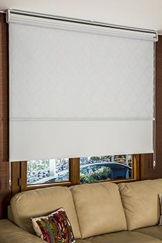 İkili Perde (Ön Beyaz Örgü Desenli Tentene Tül Stor Perde Arka Beyaz Neo Classic Stor Perde)